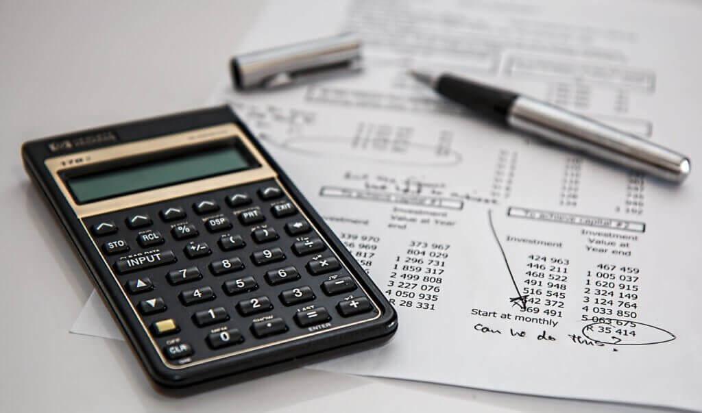 Kalkulator, rachunki i faktury
